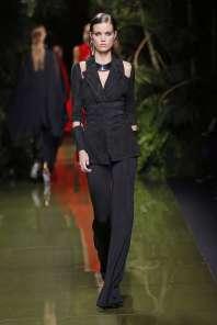 balmain-fashion-week-spring-summer-2017-paris-womenswear-022