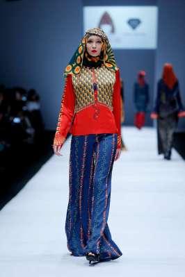 lusense-kd-and-hans-virgoro-spring-summer-2017-jakarta-womenswear-catwalks-005