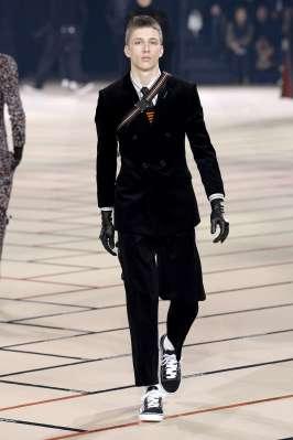 dior-homme-fall-winter-2017-paris-menswear-catwalks-016