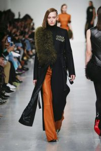 David Koma Fall-Winter 2017 London Womenswear Catwalks-001