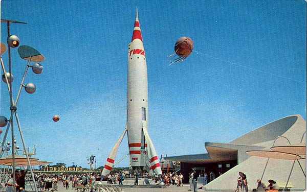 Disneyland S Rocket To The Moon Mission To Mars Closed