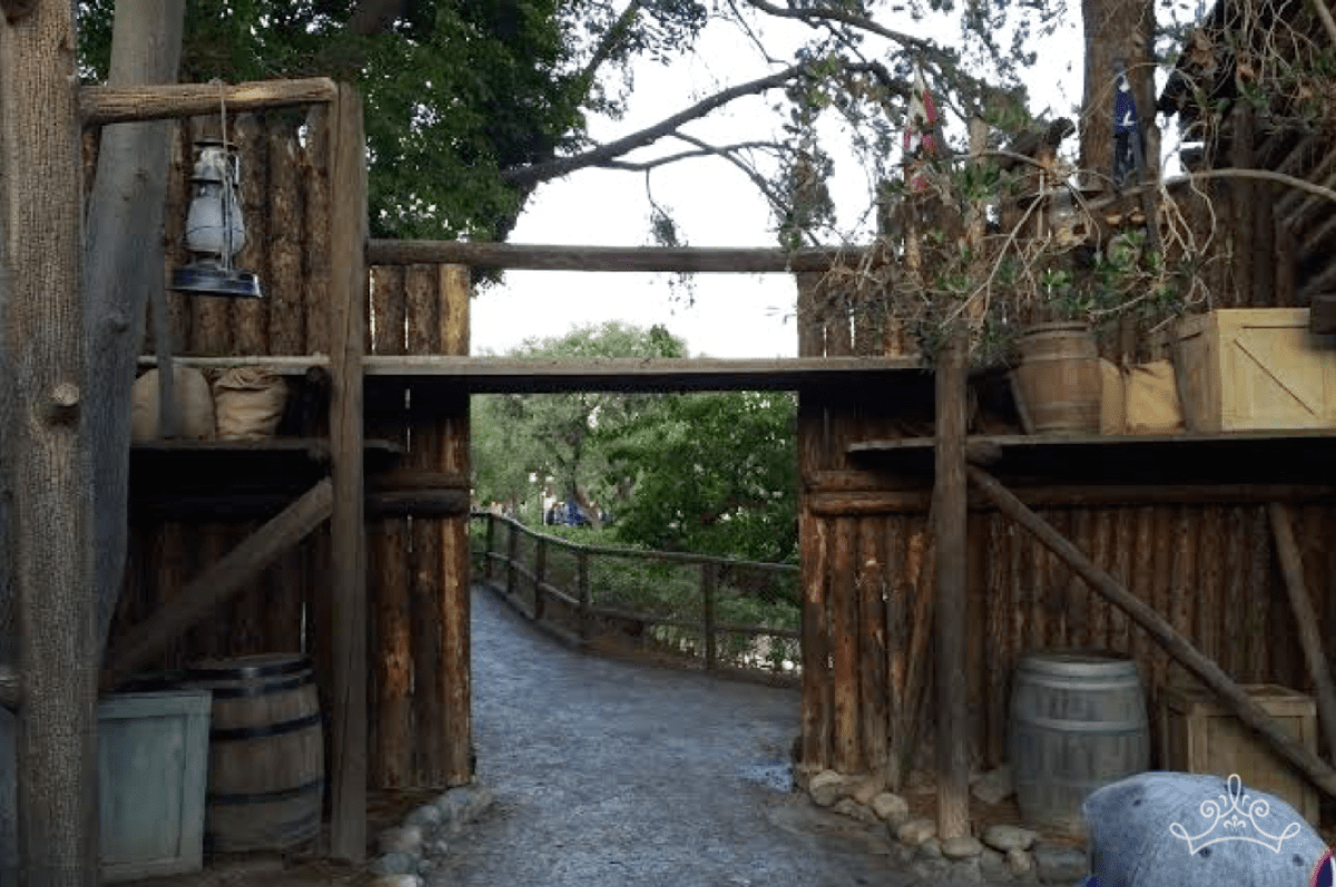 Hidden Path To Frontierland