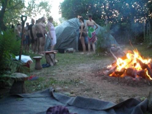 Ceremonia szałasu potu, uroczusta sauna wg tradycji Indian Lakota dla oczyszczenia, uzdrawienia i transformacji