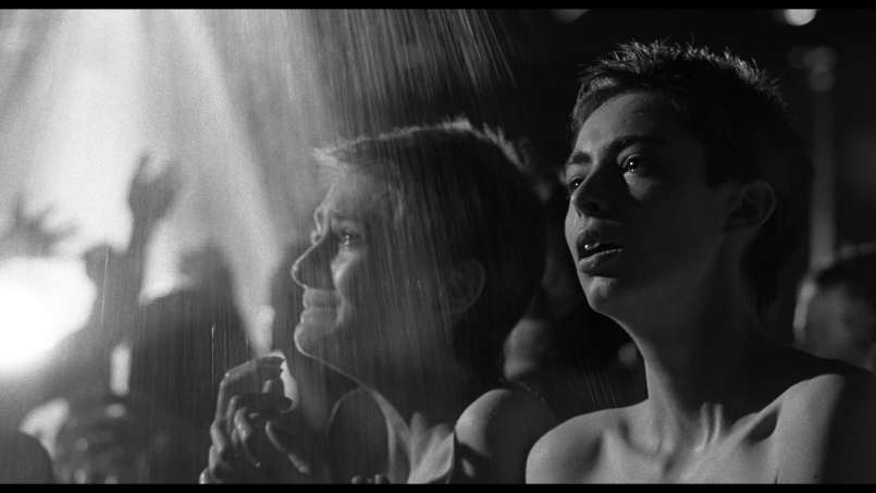 schindlers-list-14-women-in-showers