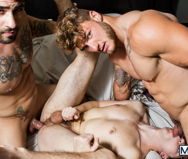 Xxx Gay Porn Athlete Muscle Men Threesome Sex