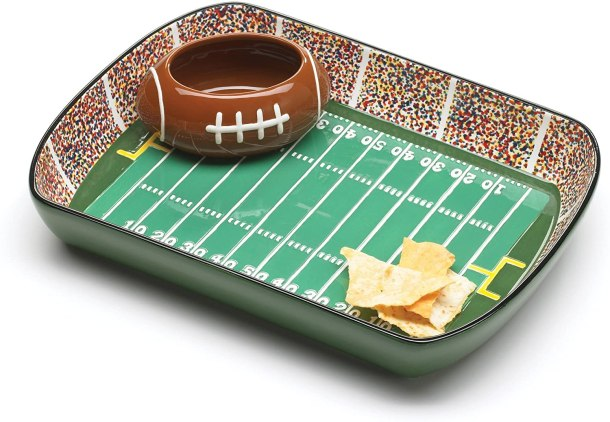 Chip and dip serving set shaped like a football stadium #ad