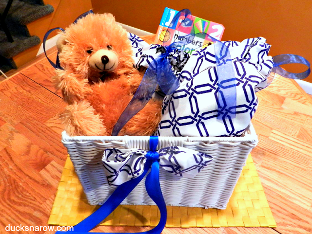 How to make a drawstring bag for a baby gift basket #tips