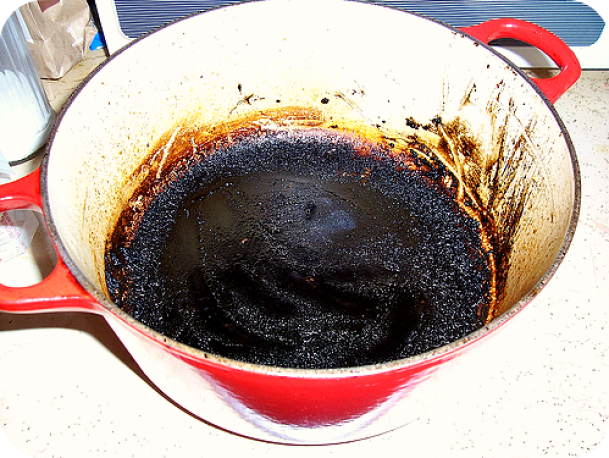 household hints how to clean burnt pots and pans