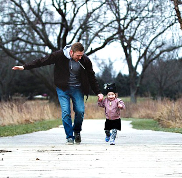 Father and daughter on a fun nature walk #tips