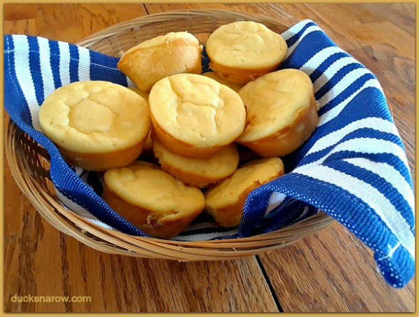 Low Carb Lemon Cheesecake Muffins