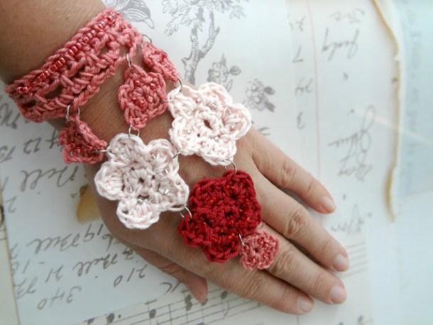 Crochet flower bracelet from Little Treasures blog