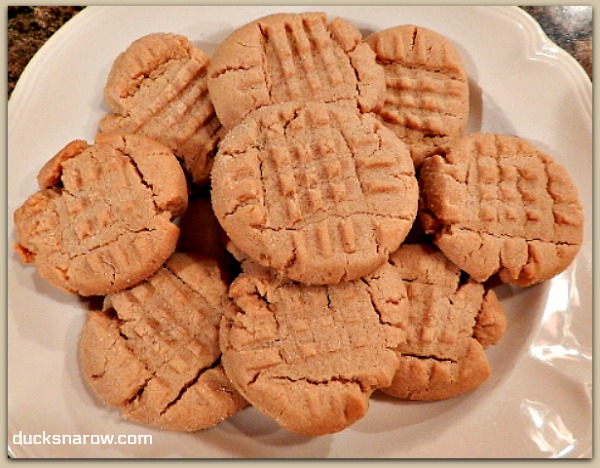 Great recipe makes the best peanut butter cookies #cookies