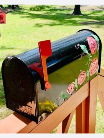 Rose decorated mailbox