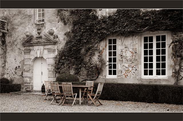 BLOG-DSC_1831-¨cour château Ruat le Teich