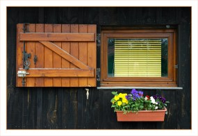 CP-DSC_6119-fenêtre store jaune