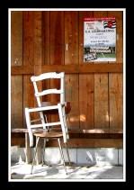 CP-IMG_3555-affiche UAGM & chaises