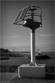 BLOG-DSC_32925-phare port Arcachon et grande roue N&B