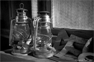 blog-p9191475-lampes-tempete-cabane-244-nb.jpg