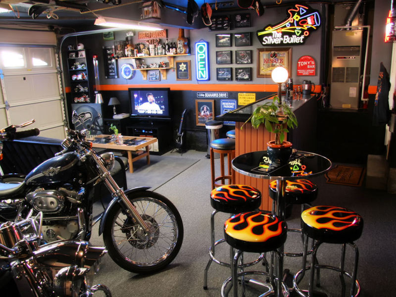 awsome man cave harley