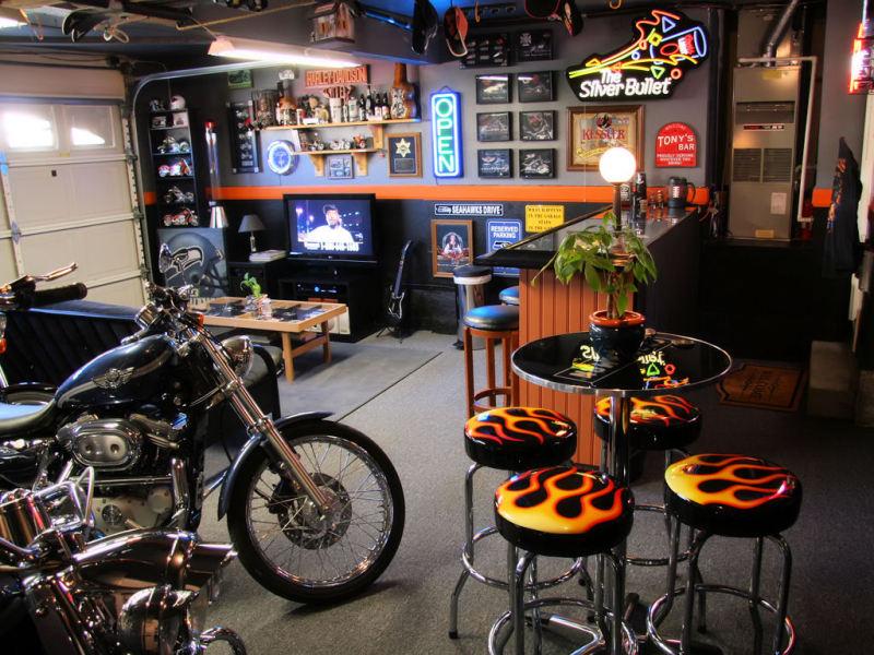 Awsome Man Cave Harley