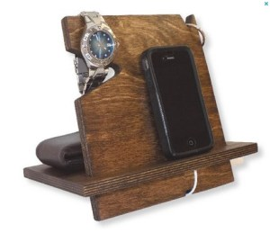 docking station for men's accessories