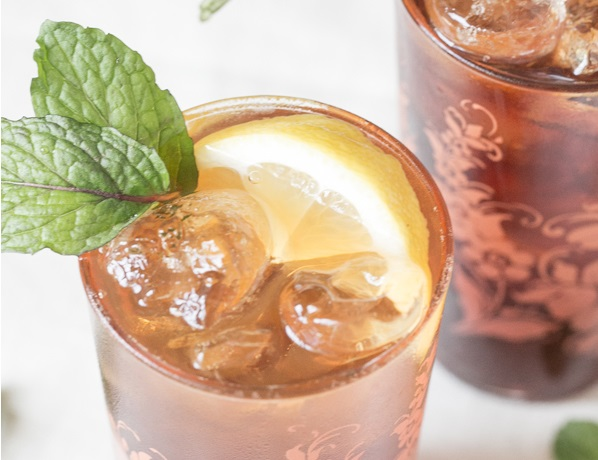 BOURBON SWEET TEA whiskey drink