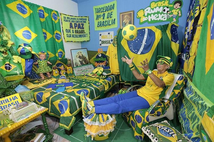 sports fan room