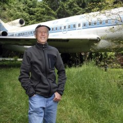 Man Converts Boeing 727 Into A Man Cave