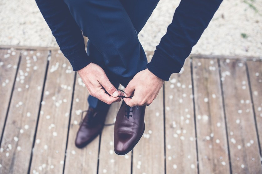 which shoes go with suits