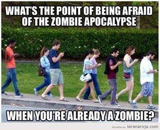 zombie-walk-moviles-smartphone-humor
