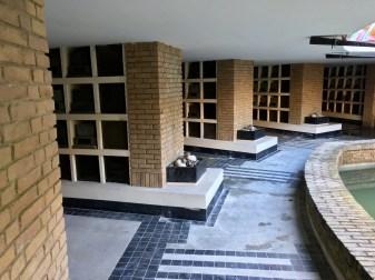 Begraafplaats Westerveld, Driehuis. 2e columbarium. Binnenhof met impluvium. Ontwerp: W. M. Dudok. Foto Peter Veenendaal