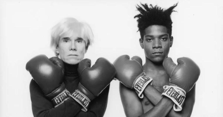 Jean -Michel Basquiat ed Andy Warhol fotografati a New York nel 1985