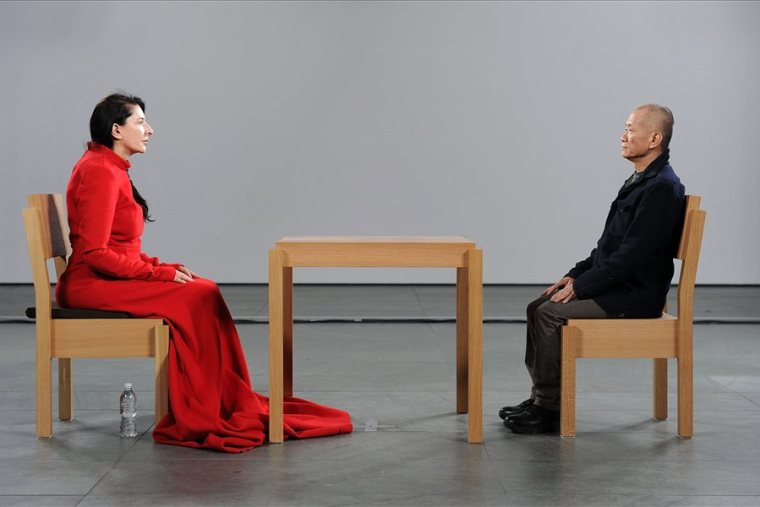 Marina Abramovic, The artist is present, al Moma di New York nel 2010