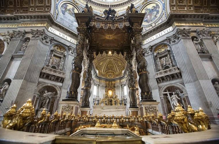 Baldacchino di San Pietro, Basilica di San Pietro, Roma