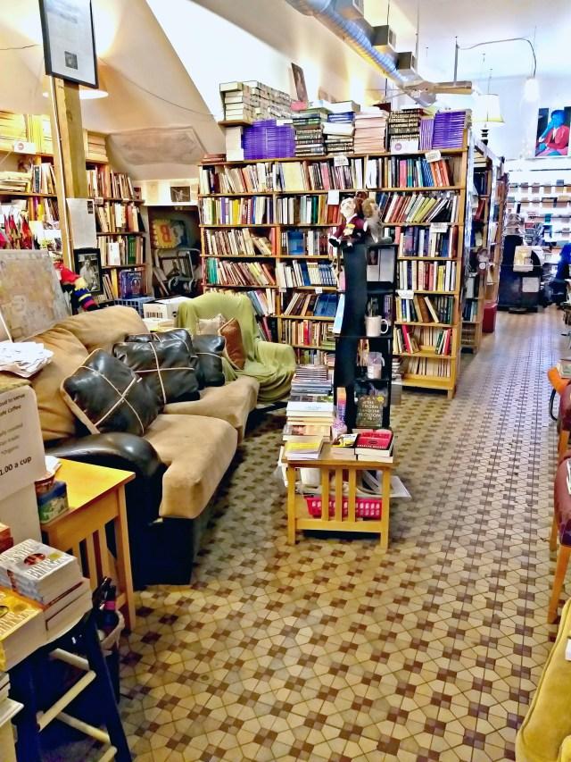 bookstore interior_115728