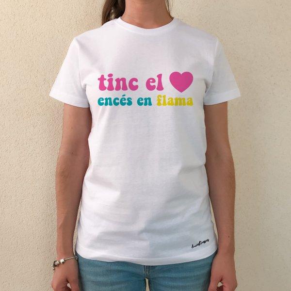 camiseta blanca chica tinc el cor encés en flama