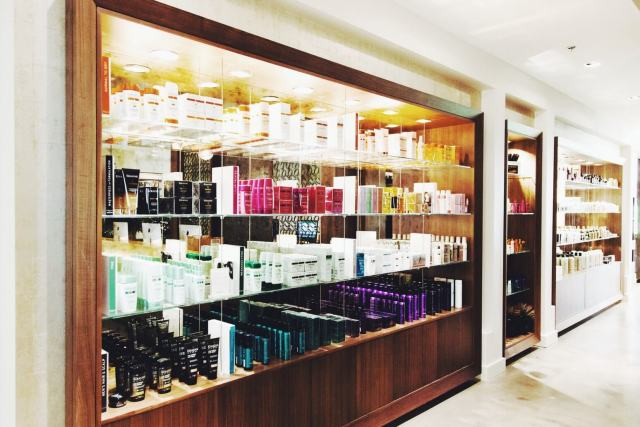 Alex Duffy of Duffy Dossier — Time Lapse Facial with George the salon, chicago micro blogger, beauty blogger