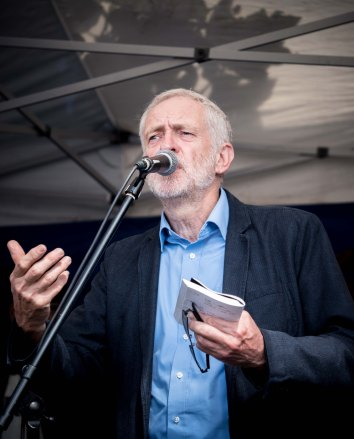 Photo by Dexter -Jeremy Corbyn - Queens Gardens Hull