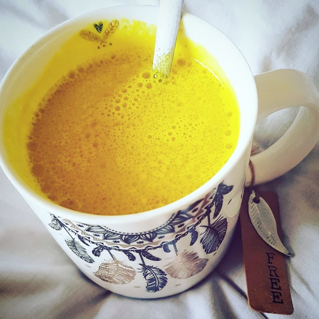 You are currently viewing GOLDEN LATTE – LE LAIT D'OR DES YOGIS