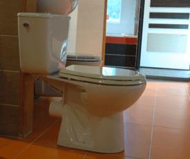 WC csésze tartállyal
