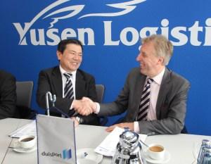 Perfekter Deal: Seji Yuzen und Erich Staake sind sich einig (rk)