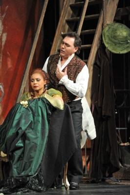 Morenike Fadayomi (Tosca), Gustavo Porta (Cavaradossi). Foto: Hans Jörg Michel.