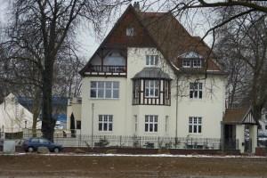 Ein Schmuckstück ist die sanierte ehemalige Direktoren-Villa in der Beamtenkolonie (Bliersheimer VIllen) auf dem Gelände von logport I. Foto: Petra Grünendahl