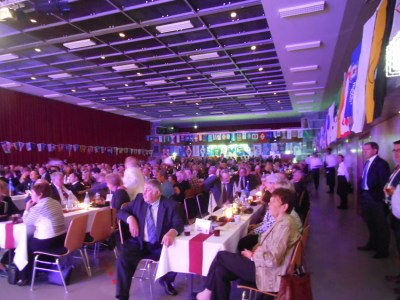 """Bis tief in die Nacht feierte die Binnenschifffahrtsbranche den """"Ball der Schiffahrt"""" mit 680 Besuchern. Foto: Petra Grünendahl."""