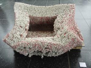 Die Bearbeitung von Porzellan hat in China eine über tausendjährige Tradition: Porzellanarbeit von Fang Lijun (*1963). Foto: Petra Grünendahl.