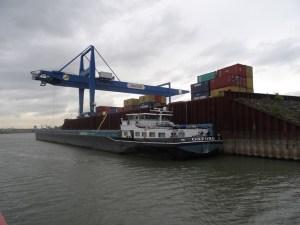 Logistiker Jerich im Hafen Emmelsum. Foto: Petra Grünendahl.