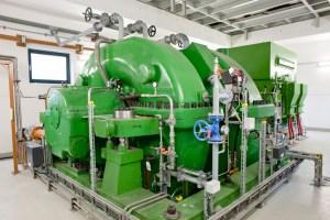 Gutes Beispiel für Energieeffizienz bei ThyssenKrupp Steel Europe: Die modernisierte Entspannungsturbine am Hochofen 8 erzeugt etwa 30.000 Strom pro Jahr. Foto: TKSE.