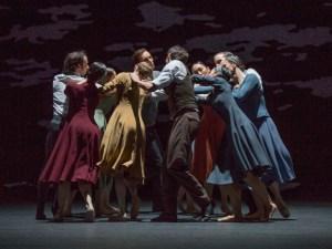 Antony Tudor: Dark Elegies © The Antony Tudor Ballet Trust – Ensemble. Foto: Gert Weigelt.