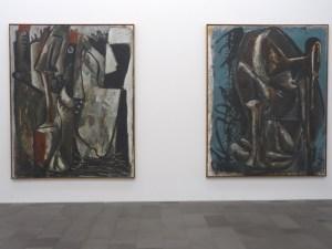 Bilder über den Faschismus (1980): Manifest (l.) und Haus der Kunst (r.). Foto: Petra Grünendahl.