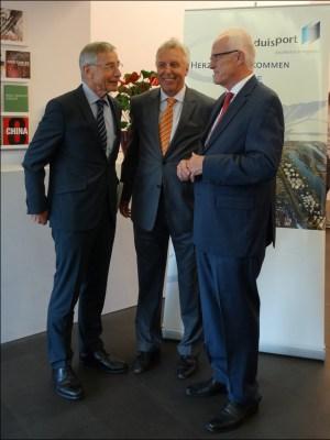 Der Gastgeber mit den Hauptrednern des Abends (v.l.): Wolfgang Clement, Erich Staake und Prof. Jürgen Rüttgers. Foto: Petra Grünendahl.